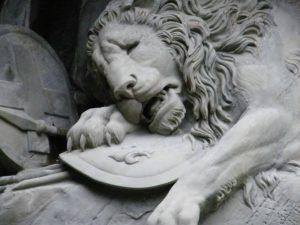 Astrology Aug 2nd-11th (♌II): The Wounded Lion